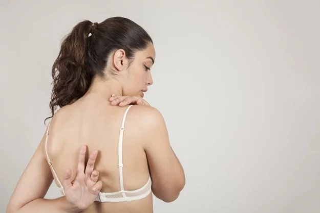 Top 9 things that happen when you stop wearing a bra