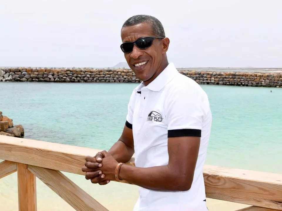 African man resembles Barack Obama so much that he has become a celebrity