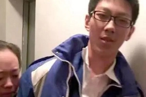 Sipag niya naman! Chinese student trapped in elevator uses time to finish school assignment