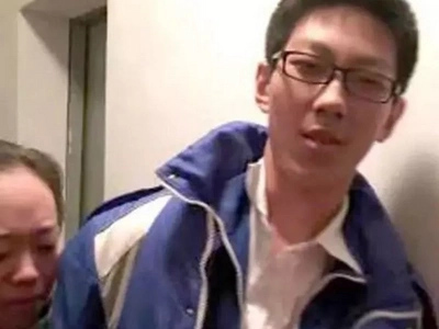 Sipag! Chinese student trapped in elevator uses time to finish school assignment