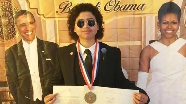 Daniel Petersen with his award. Photo: Facebook/Daniel Petersen