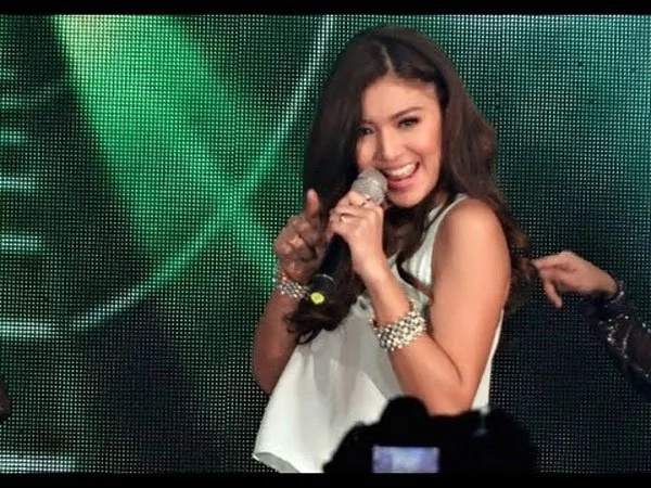"""Nadine Lustre's """"St4y Up"""" hits trending pages within hours after its release"""