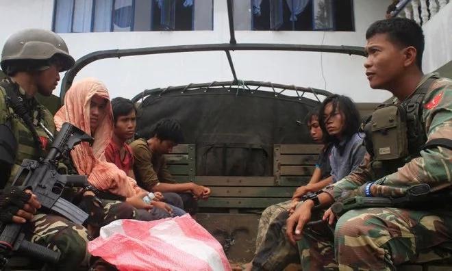 Muslim extremists release 28 detainees, stage mass jailbreak