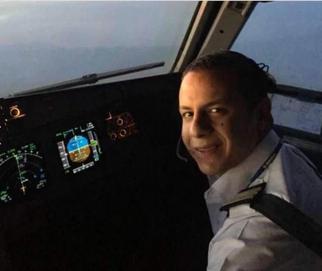 EgyptAir crash: body parts and luggage retrieved