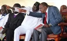"Rais Uhuru Kenyatta amuaibisha mbunge ""aliyemtusi"" Raila Odinga (video)"