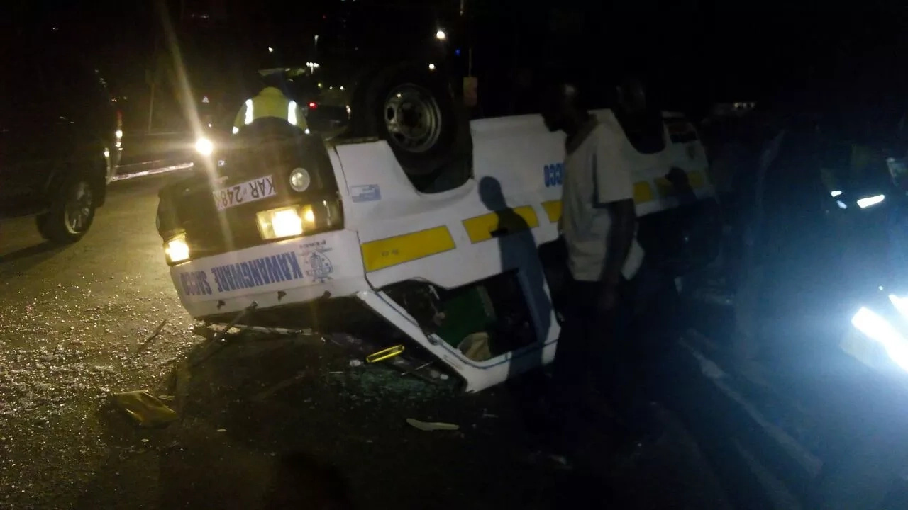 Ugly scenes near Serena Hotel as Kawangware matatu rolls several times (photos)