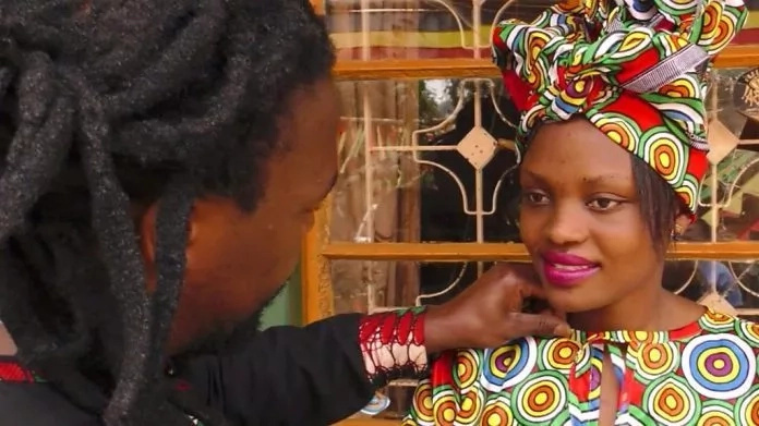 "Meet Afro-fashion ""magician"" who makes dresses in minutes"