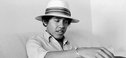 Obama Used To Smoke Marijuana And Other Strange Facts About The US President