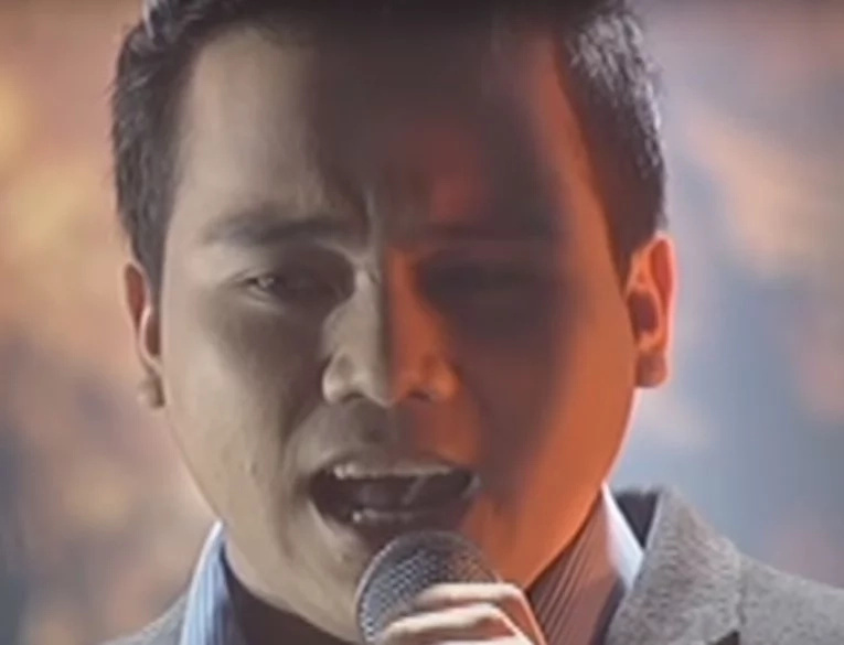 Epic version of 'Bohemian Rhapsody' featuring Jed Madela, Froilan Canlas, Noven Belleza, and Eumee Capile went viral!