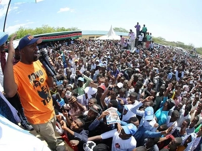 Joho brings down Garissa like a president in a never seen before video