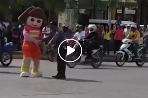 Dora joins Pinoy traffic enforcer in dancing while assisting motorists in viral video