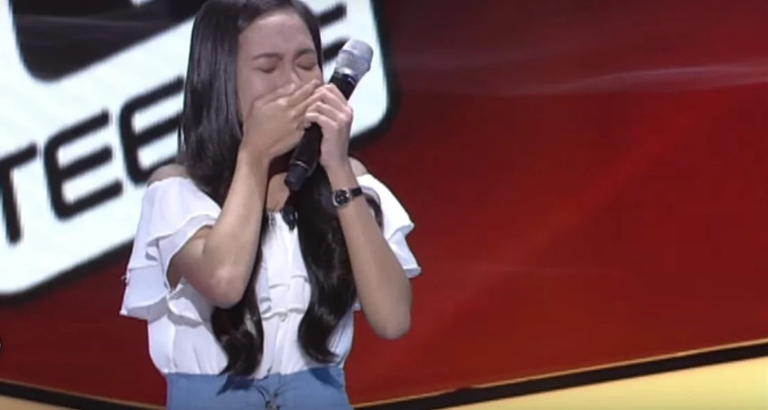 Pinay singer stuns crowd with powerful viral performance