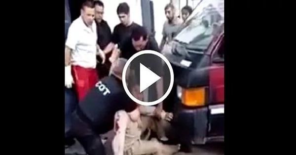Policía golpeó brutalmente a un conductor ¡OMG!