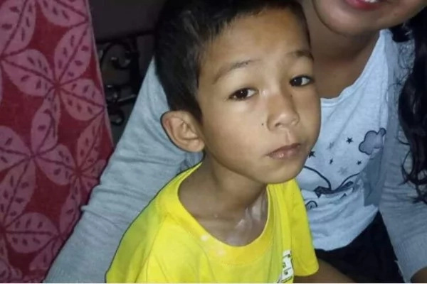Child in need of colostomy surgery seeks help online