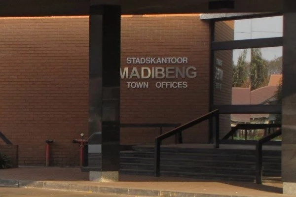 Madibeng mayor rents R100 000 per month luxury car while government threatens to cut water supply due to non-payment