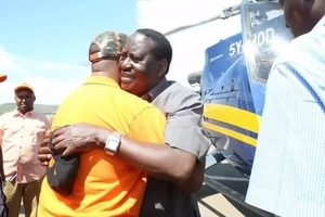 Raila Odinga breaks a leg in Mombasa ahead of the Chris Brown concert