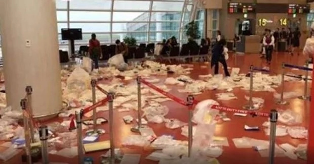 Chinese tourists dump tons of trash inside Korean airport