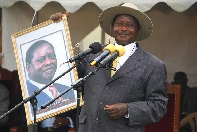 Museveni wa Uganda afanyia jeshi lake mageuzi baada ya Mugabe kuwekewa kifungo cha nyumbani