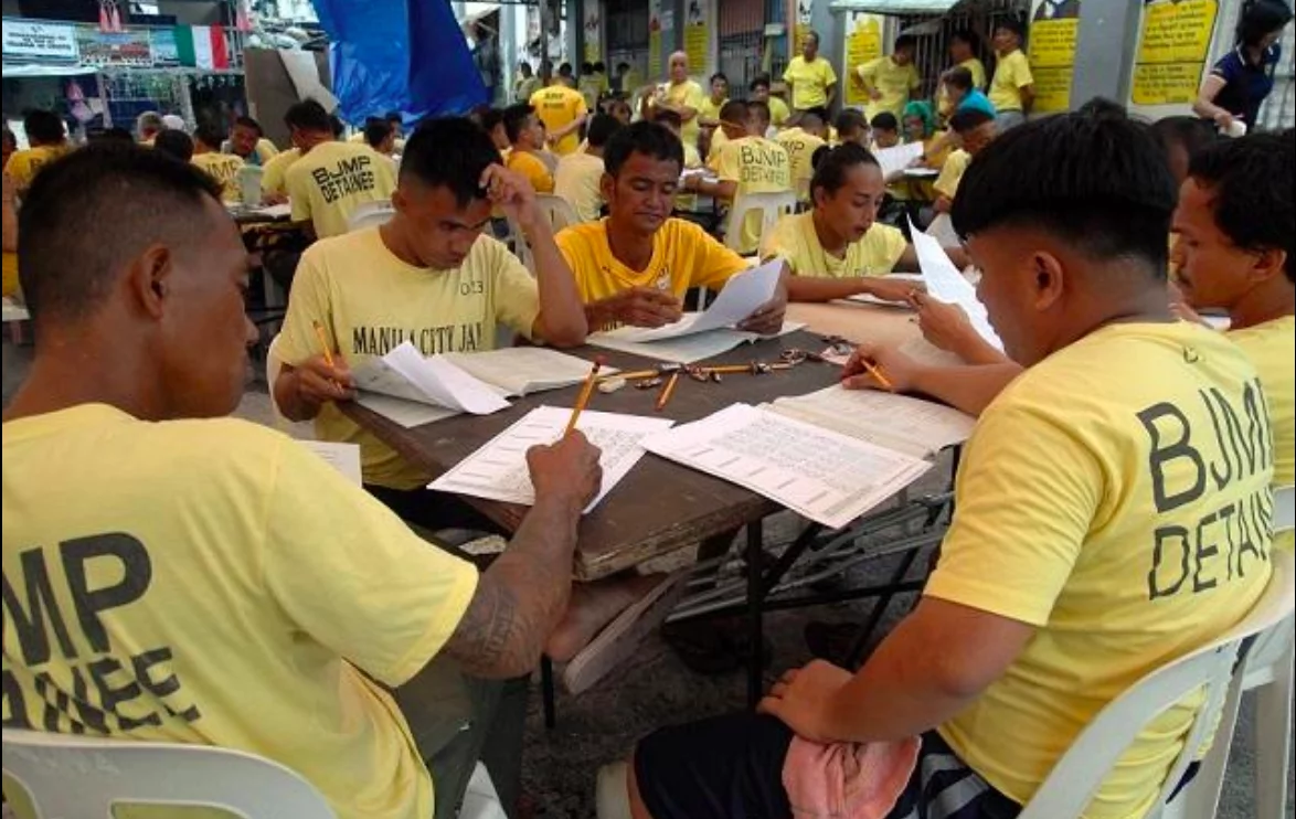 Inmates take DepEd exam to enrol in HS, college