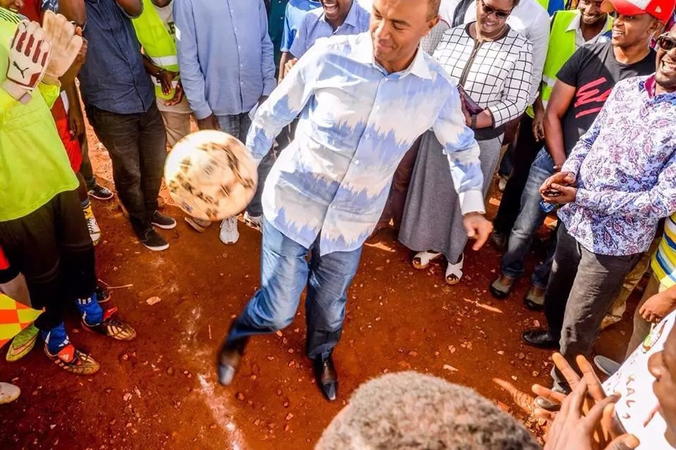 Peter Kenneth makes an unusual announcement after clashing with Sonko
