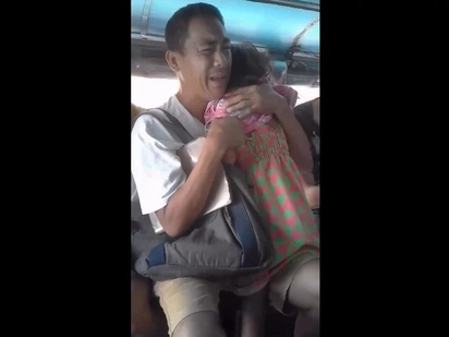 A father tried to comfort his child crying in pain. What he told his daughter will surely break your heart.