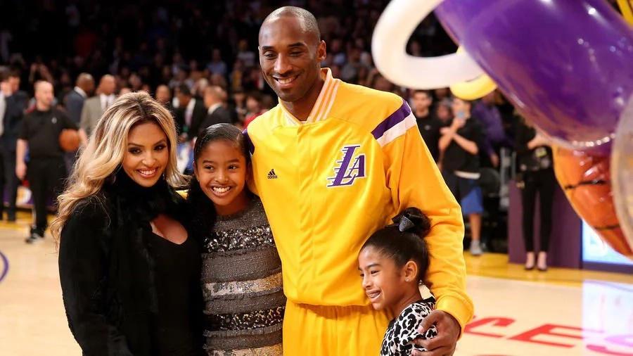 7 reasons Kobe Bryant is godlike
