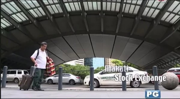 Stroke victim Tatay Moises sells goods to Makati office workers