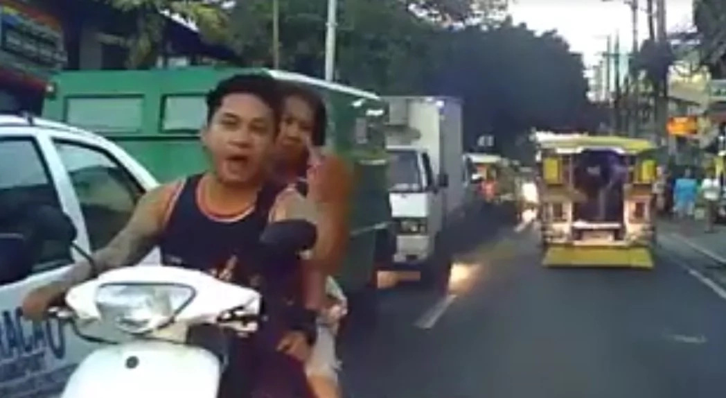 nagmo-motorsiklo