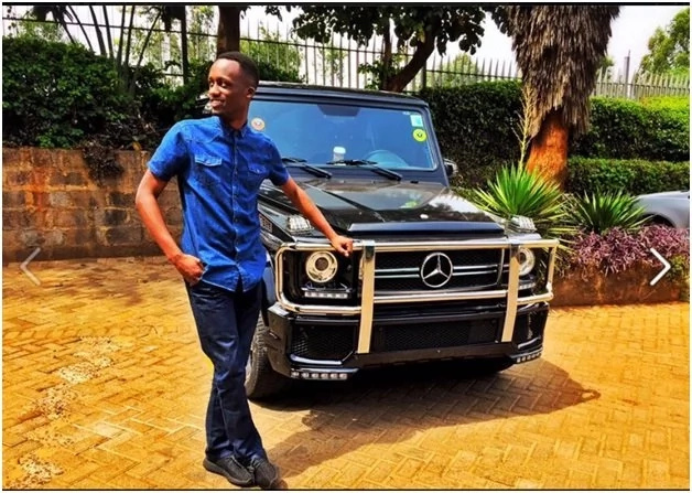Citizen TV's Jeff Koinange brings Kasarani Stadium to a standstill with his Mercedes G-Wagon
