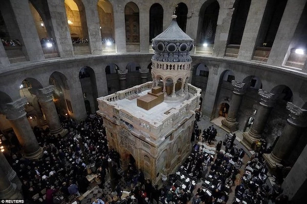 Tomb of Jesus at risk of CATASTROPHIC collapse, researchers warn (photos)