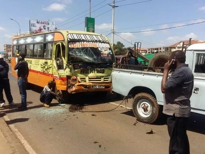 Matatu rams vehicle attached to Uhuru Kenyatta security