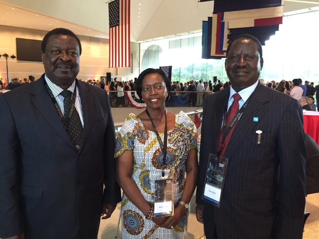 Raila Odinga shows love for his favorite football team in the US