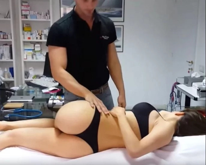 Every Guy On The Internet Wants This Guys Profession After Seeing This Video