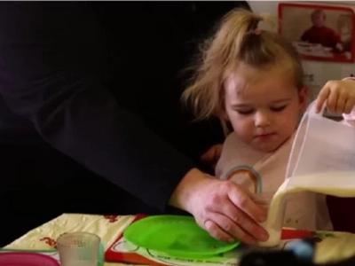 Las comidas para bebé no son tan saludables como dicen; ten cuidado de con lo que alimentas a tus hijos
