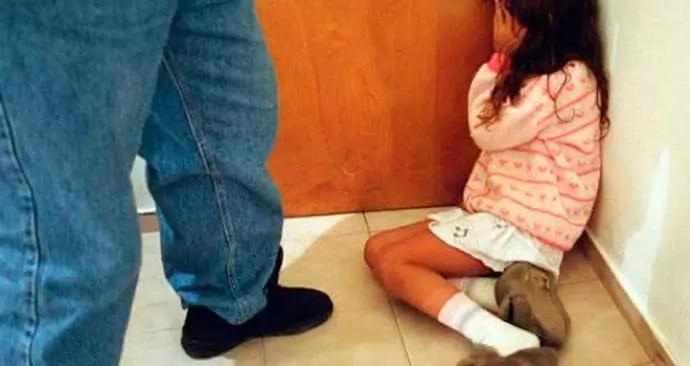 Este hombre se hacía manosear de su hija de 6 años