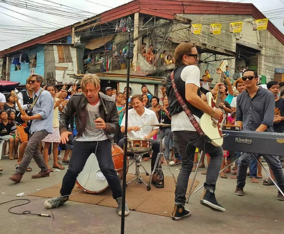 Switchfoot Films In Manila; Concert Proceeds Help Smokey Mountain Kids
