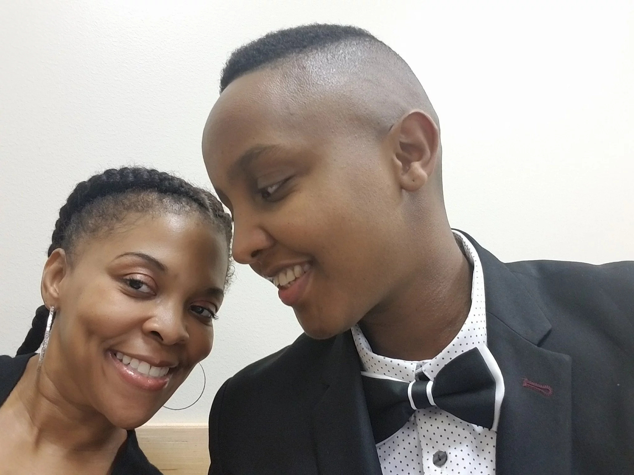 Kenyan lesbian gets married to American beauty in simple wedding