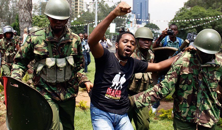 Watch Boniface Mwangi cry uncontrollably on NTV over corruption in Kenya