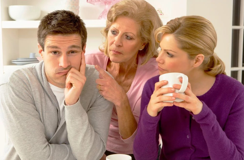 8 Signs that your man's parents are really into you