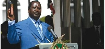 Raila thrills supporters in Machakos by rehearsing his oath of office pledge
