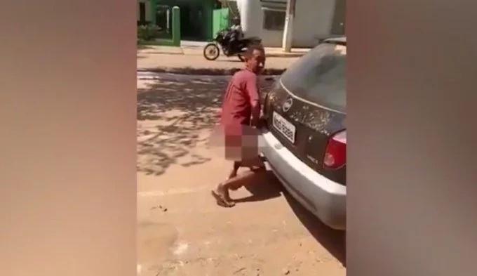 Atrapado mientras tenía sexo con un automóvil
