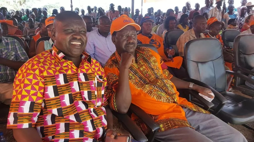 BREAKING: Scare as armed youths open fire at Raila's rally in Turkana