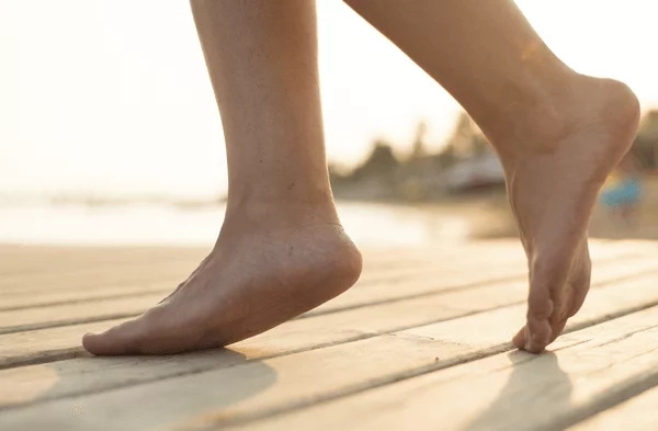 This is how to deal with smelly feet for good