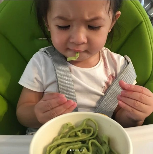 Judy Ann gives veggie noodles to Luna