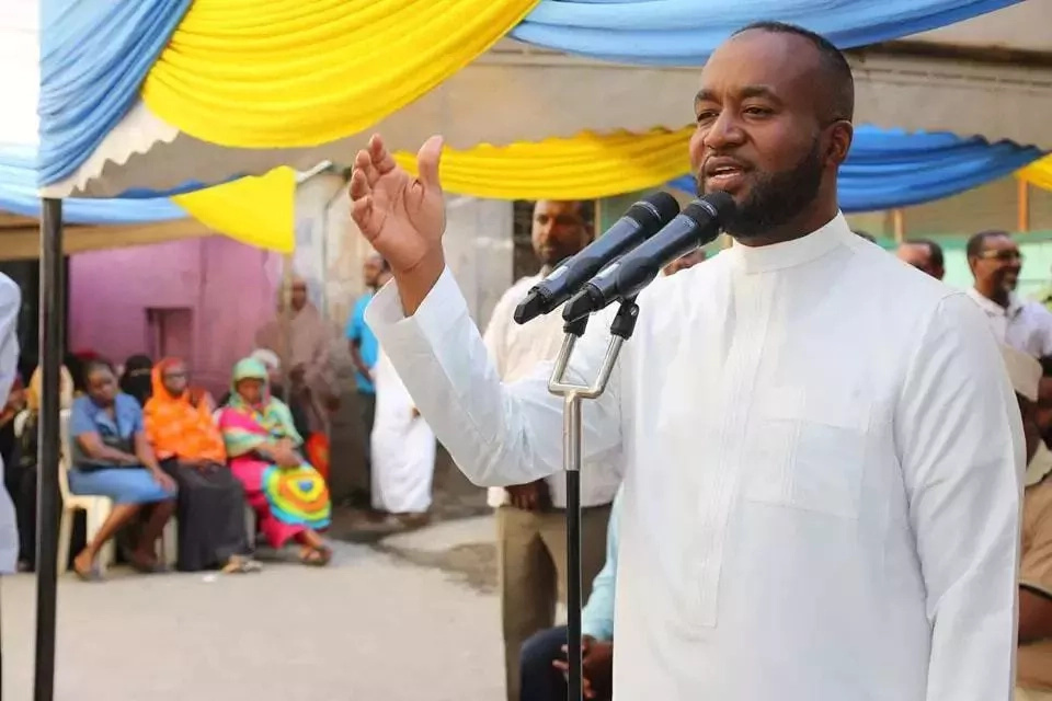 Uhuru gives Joho what he wants but with STRICT conditions