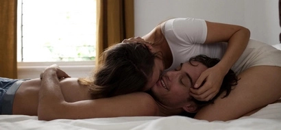 Here is how long a man should last in bed to please her completely