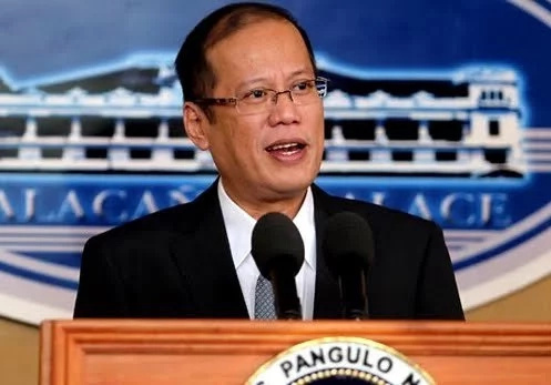 Aquino warns against looming dictatorship