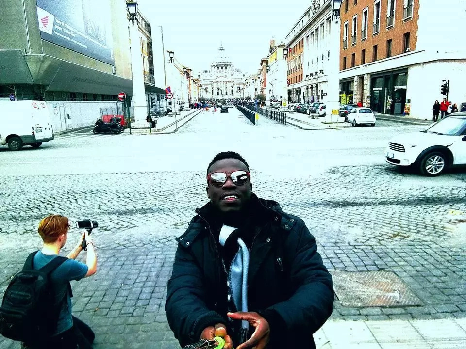 Flamboyant Kenyan singer meets 'Jesus' and his disciples in Italy (Photos)