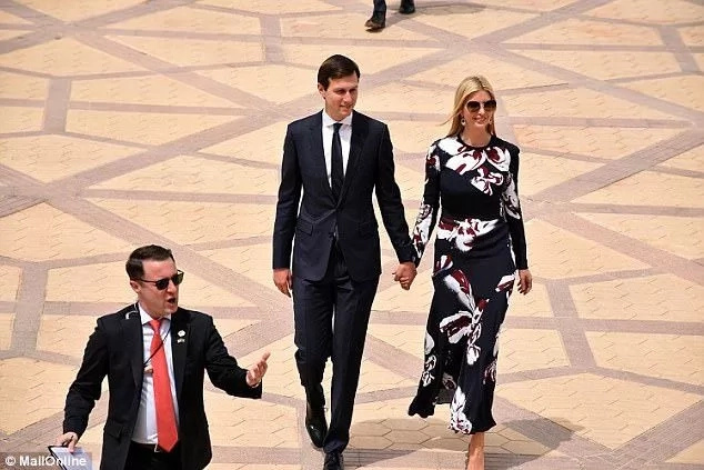 Melania & Ivanka get hoorays in Saudi Arabia without scarves