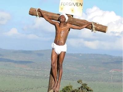 Wakenya wamtaka mcheshi Eric Omondi kustaafu mapema.Hii hapa sababu